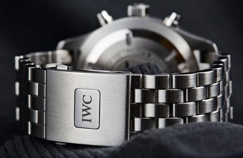 万国手表【金属】表带多少钱哪里可以更换