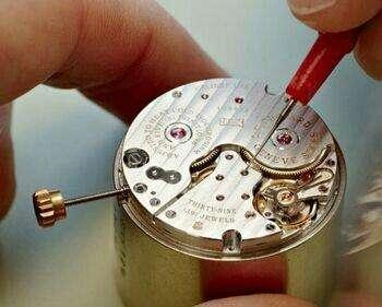 怎样知道石英手表需更换电池-环球体育下载ios名表维修